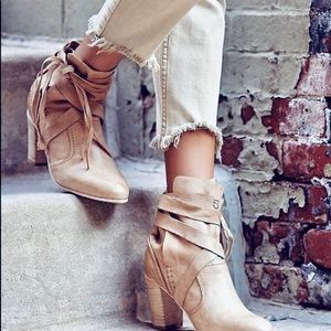 Free People Shoes - Free People Tan Leather Ankle Bootie Size 6